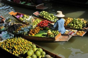 Floating Market barco fruta